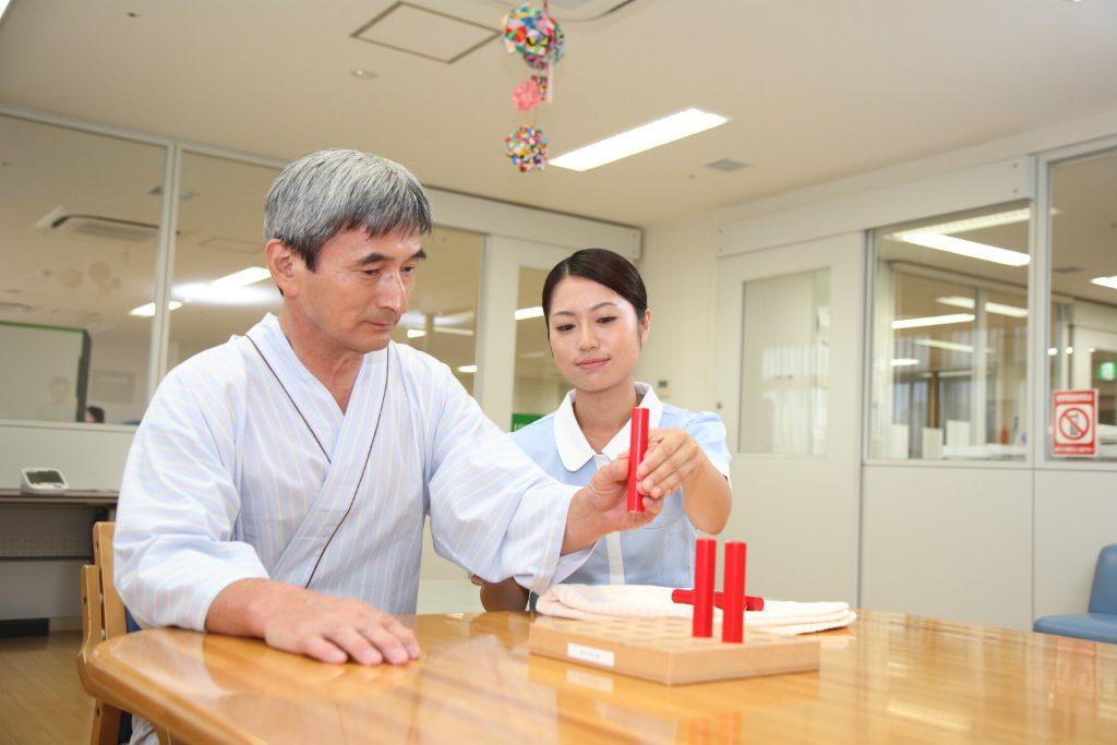 介護を学んで作業療法士になった先生の体験談
